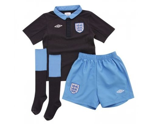 UMBRO England Junior 2011/2012 Away Football Minikit, Age 6-7 - size 6-7 Years