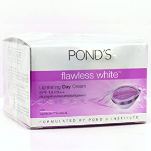 POND'S Flawless White Facial Foam