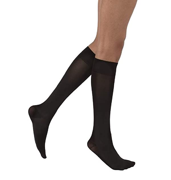 JOBST Opaque Knee High 15-20 mmHg Compression Stockings, Closed Toe, Small, Classic Black (Color: Classic Black, Tamaño: Small)