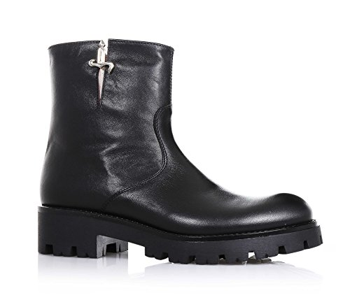 cesare-paciotti-black-leather-boot-which-can-be-recognized-by-the-refinement-of-materials-child-girl