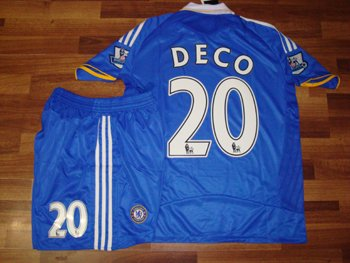 08-09 CHELSEA HOME JERSEY DECO + FREE SHORT (SIZE M)