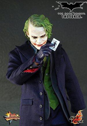 Batman: The Dark Knight - 1/6 Scale Movie Masterpiece Joker at Gotham City Store