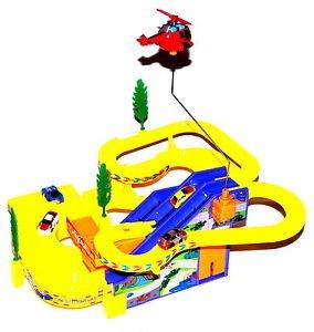 Elektrische Kinder Spielzeug Musik Rennbahn Autobahn City mit Autos & Helikopter NEU
