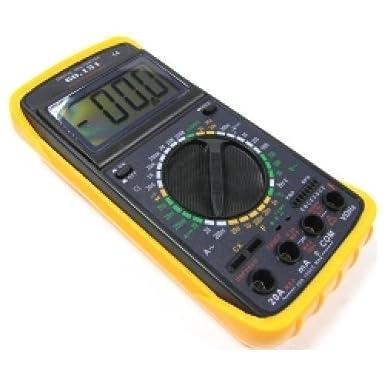 Multímetro digital que permite comprobar DCV (voltaje DC), ACV (voltaje AC), DCA (intensidad DC), ACA (intensidad AC), resistencia, condensadores, transistores hFE, frecuencia, temperatura, test de continuidad y comprobación de diodos. Dispone de un visor LCD de fácil lectura, selector y conexiones de los bornes.