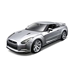 Tobar 1:24 Scale Special Edition 2009 Nissan Gt-R Diecast Model Kit
