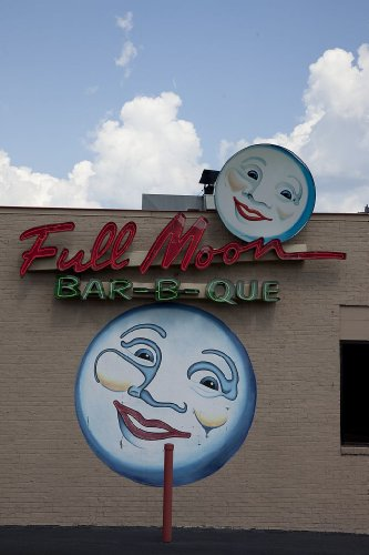 Photography Poster - Full Moon Bar-B-Que Signs In Tuscaloosa Alabama 24 X 16.5