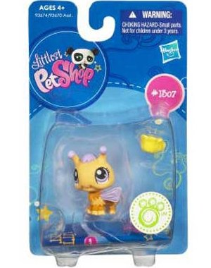 Buy Low Price Hasbro Littlest Pet Shop Get The Pets Single Figure Bumblebee (B0038AF3II)
