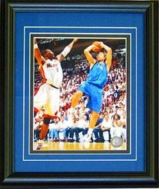 Dirk Nowitzki Unsigned Framed 8X10 Photo - Nba Photos