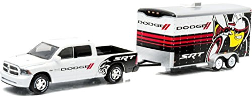GreenLight 1/64 2014 Ram 1500 and Enclosed Car Hauler Dodge SRT - Hitch & Tow 3 (Dodge Ram Model Kit compare prices)