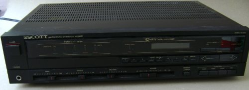 Vintage Scott RS250 AM/FM Stereo Synthesized Receiver - 25 Watts per Chanel - 0.9% Total Harmonic Distortion - digital display, inputs phono, cd / data, tape deck, output supports two 8 ohm speakers, 1/4 inch stereo headphone jack,