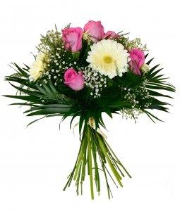 ramo-flores-naturales-muy-frescas-elaborado-con-rosas-de-color-rosa-gerbera-blanca-paniculata-y-verd