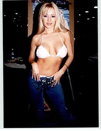 Deven Davis Autographed Glossy 8x10 Photo at Amazon's
