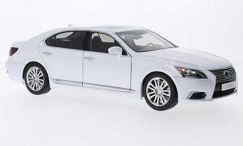 lexus-ls600hl-metallic-weiss-2013-modellauto-fertigmodell-autoart-118