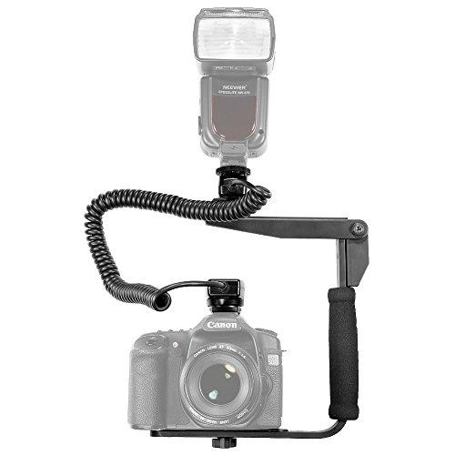 Neewer® Kit di Supporto a Regolazione Rapida per Flash & 9.8piedi/3m Cavo per E-TTL E-TTL II Off-camera Flash Speedlite per Canon EOS 5D Mark III, 5D Mark II, 1Ds Mark 6D, 5D, 7D, 60D, 50D, 40D, 30D, 300D, 100D, 350D, 400D, 450D, 500D, 550D, 600D, 650D, 700D, 1000D, 1100D / EOS Digital Rebel, SL1, XT, Xti, Xsi, T1i, T2i, T3i, T4i, T5i, XS, T3 che usano qualunque di questi modelli Canon 600EX RT, 600EX, 580EX I & II, 430EX I & II, 320EX, 270EX, 220EX