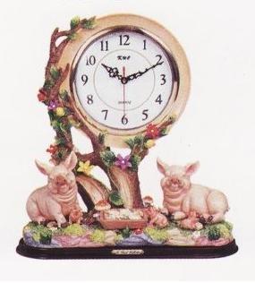 PIG 3D Shelf Mantle Clock w/ GREAT Detail *NEW*!