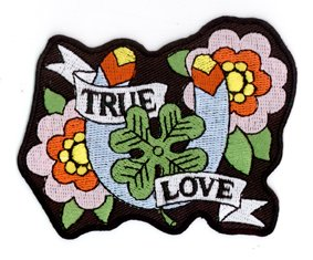 "Sunny Buick - True Love Traditional Tattoo Beautiful - Flowers, Horseshoe, 4-Leaf Clover - 3.5"" x 3"" - ricamato toppa Embroidered Patch"