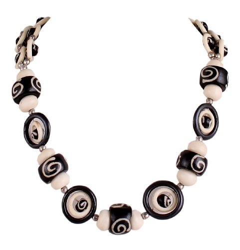 Sharnam Art Tribal / Ethnic master piece Necklace in black & white color