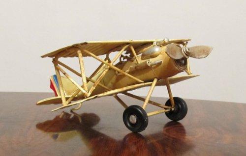 Nostalgie-Blech-Doppeldecker-Flugzeug-Creme-kleines-Modell