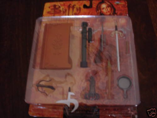 Buffy-The-Vampire-Slayer-Action-Figure-Weapons-Accessory-Pack