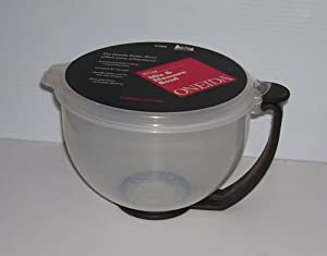 Oneida Batter Bowl 10 Cup Covered Mix & Measure Bowl Grip handle & Base