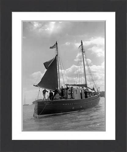framed-print-of-royalty-princess-elizabeth-and-duke-of-edinburgh-watching-yacht-racing-cowes