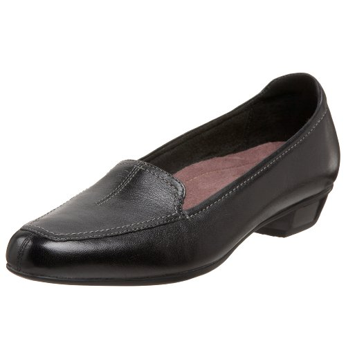 Clarks Women's Timeless Loafer,Black,9.5 M US