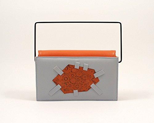 illa-canvas-madreforme-clutch-clutch-di-design-fatta-a-mano-pochette-grigia-e-arancio-in-pelle-di-pr