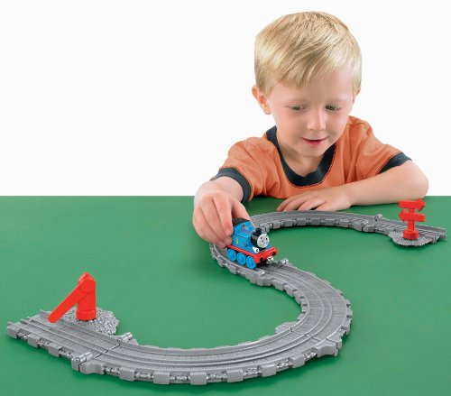Thomas The Train: Take-N-Play S-Curve Fold-Out Track