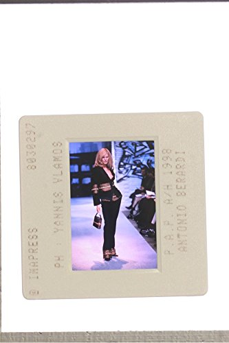 slides-photo-of-a-woman-modelling-at-the-1998-antonio-berardi-fashion-show
