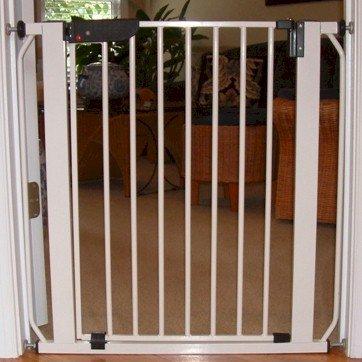 Cardinal Gates Auto Lock Pressure Pet Gate - Wood Tone front-928281