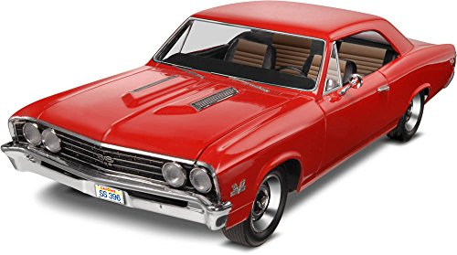 Revell 1:25 '67 Chevelle SS 396 (Classic Cars Models compare prices)