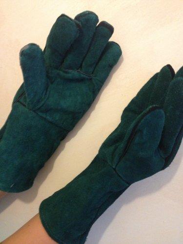 MC store Log burner, bbq, barbecue, wood burner, aga, ray burner, open fire, pair of Green, Leather fire gloves