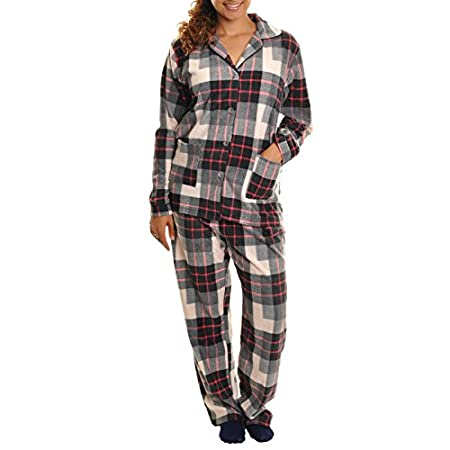 Irresistibly soft and cozy, this fleece pajama set makes perfect gift for yourself and/or your loved ones. The front-buttoned, long sleeves top has pocket(s) for convenience. The long pants is with elastic waistband. This pajama set is sized quite ge...