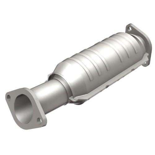 CARB compliant MagnaFlow 448617 Direct Fit Catalytic Converter
