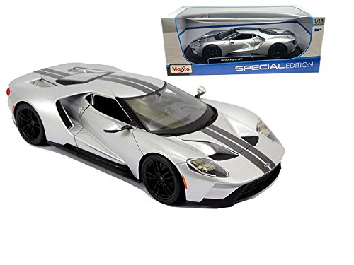 2017 Ford GT Silver 1/18 by Maisto 31384 (Ford Gt Model compare prices)