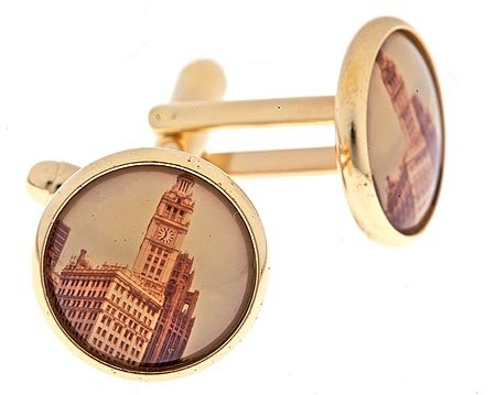 Gold plated cufflinks with a Chicago image with presentation box. Made in the U.S.A