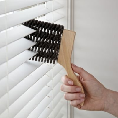 lakeland-natural-blind-brush