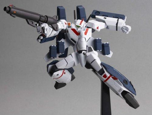 Revoltech #34 Macross Valkyrie VF-1J Figure Robotech (Toy)