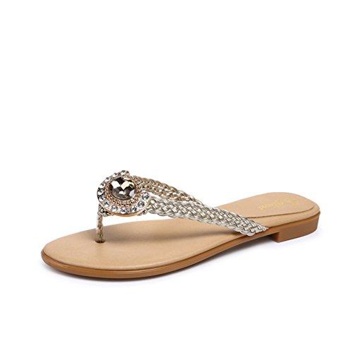 Tissage à angle avec plats sandales et pantoufles