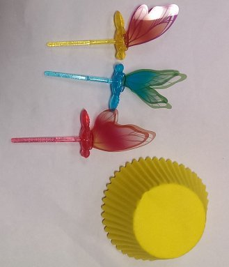 Cakesupplyshop Packaged Dragon Fly Pick with Yellow Cupcake Cups