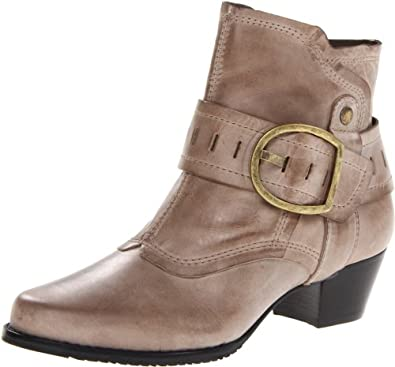Amazon.com: Walking Cradles Women's Cheyenne Bootie: Shoes