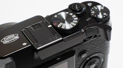 fujifilm-x100s-thumb-grip-by-lensmate-black