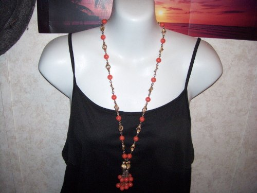 VINTAGE Necklace Goldtone w/Coral Colored Beads & BEAUTIFUL Tassle