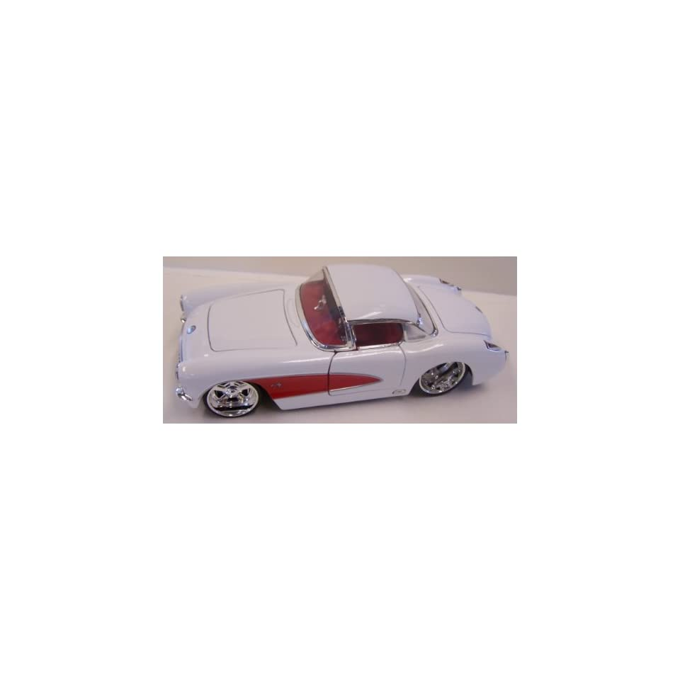 Jada Toys 1/24 Scale Diecast Big Time Muscle 1957 Chevy Corvette with Silver Mag Wheels in Color White