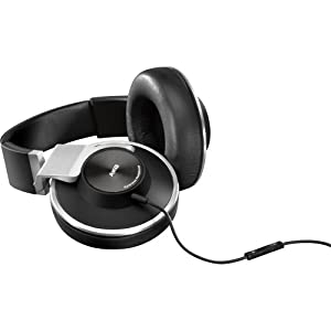 AKG K551SLV Closed-Back Reference-Class Headset with In-Line Microphone and Passive Noise Reduction, Black/Silver