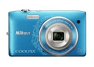 Nikon Coolpix S3500 Digitalkamera (20 Megapixel, 7-fach optischer Zoom, 6,7 cm (2,7 Zoll) TFT-LCD, bildstabilisiert) blau/Ornament