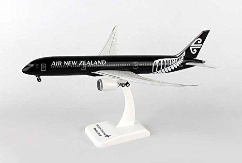hg0687g-hogan-air-new-zealand-787-9-1200-model-airplane-w-gear-flexed-wings