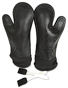 Gizmo Silicone Oven Mitts - Best For Cooking in The Kitchen or on the BBQ - Extra Long - Heat Resistant and FDA Certified - 2 Gloves and 2 Free BBQ Brushes - Makes a Great Gift