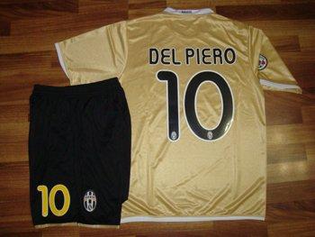 08-09 JUVENTUS AWAY JERSEY DEL PIERRO + FREE SHORT (SIZE XL)