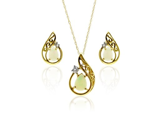 9ct Yellow Gold Opal and Diamond Earrings and Pendant Set + 46cm Prince of Wales Chain
